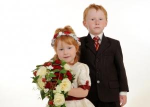 Hochzeits-Portrait Blumenkinder