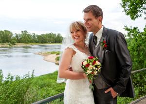 Hochzeits-Portrait Blick auf Elbe