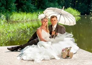 Hochzeits-Portrait am Wasser