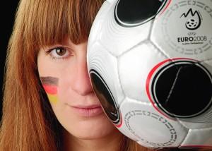 Nahaufnahme Fußball und Portrait