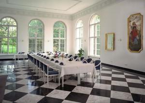 Werbefotografie Schloss Storkau Saal mit Tafel